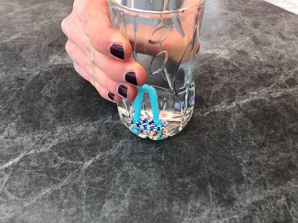 Flasche zusammengedrückt